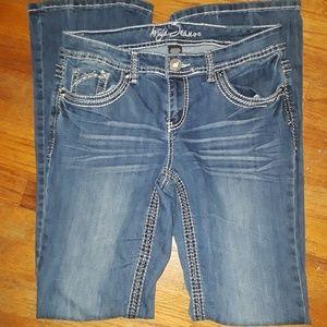 "Ariya Jeans size 9/10. 32"" inseam. EUC worn once e"